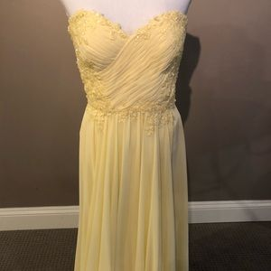 LaFemme Prom dress. Buttercup yellow. Size 6